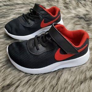 Nike Tanjun running shoe sneaker 9C